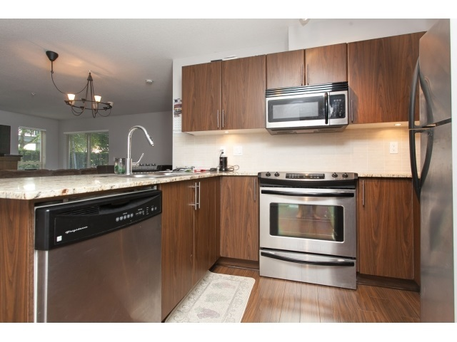 Photo 7: D110 8929 202 Street in Langley: Walnut Grove Condo for sale : MLS® # R2194862