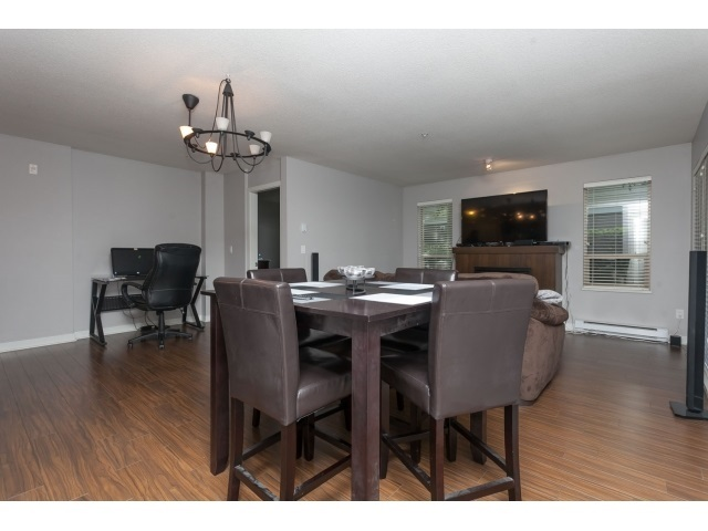 Photo 10: D110 8929 202 Street in Langley: Walnut Grove Condo for sale : MLS® # R2194862