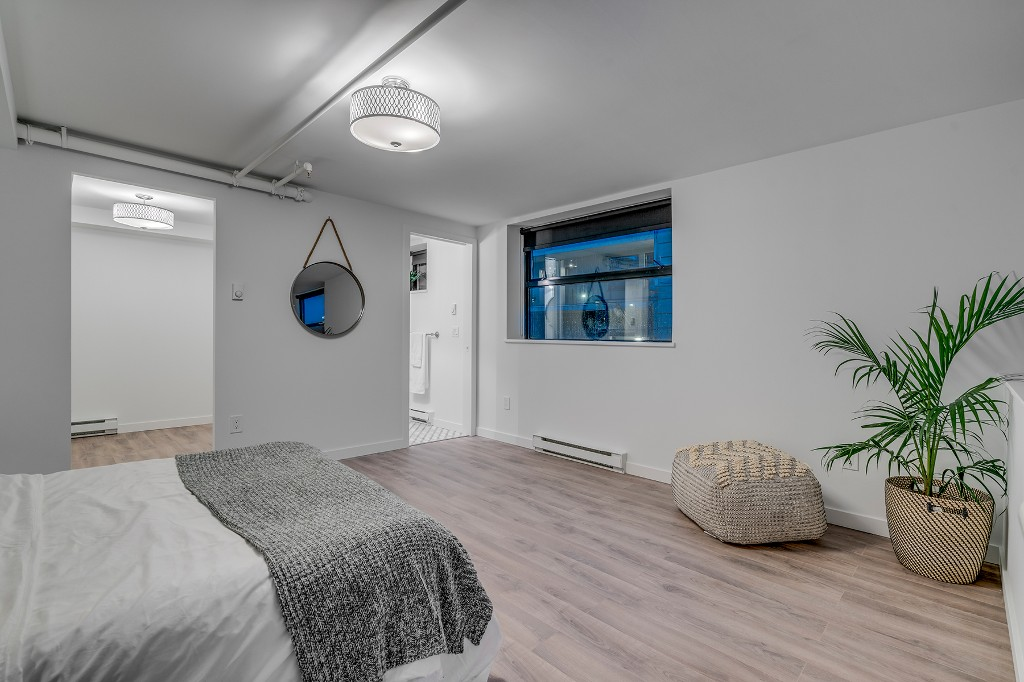 "Photo 16: Photos: 501 428 W 8TH Avenue in Vancouver: Mount Pleasant VW Condo for sale in ""XL LOFTS"" (Vancouver West)  : MLS® # R2214757"