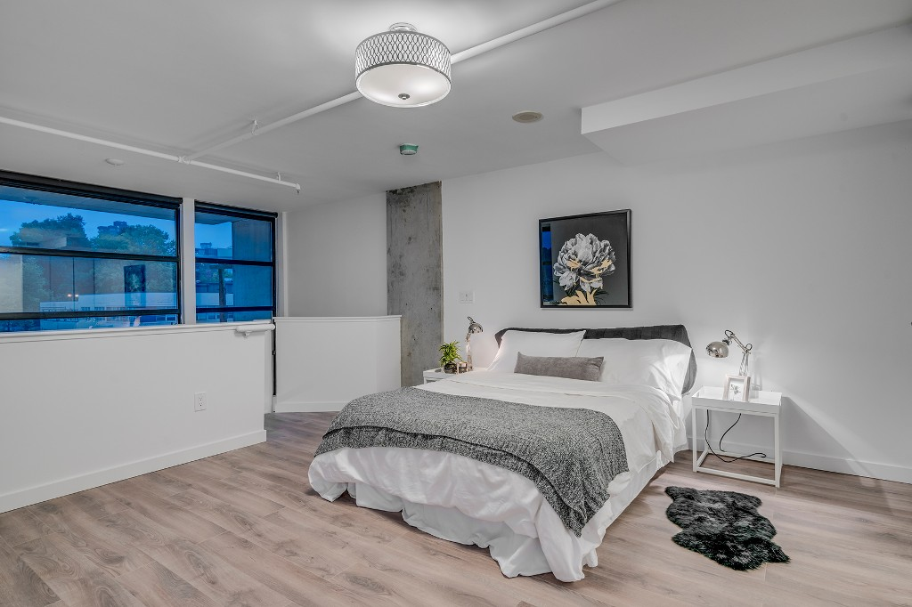 "Photo 18: Photos: 501 428 W 8TH Avenue in Vancouver: Mount Pleasant VW Condo for sale in ""XL LOFTS"" (Vancouver West)  : MLS® # R2214757"