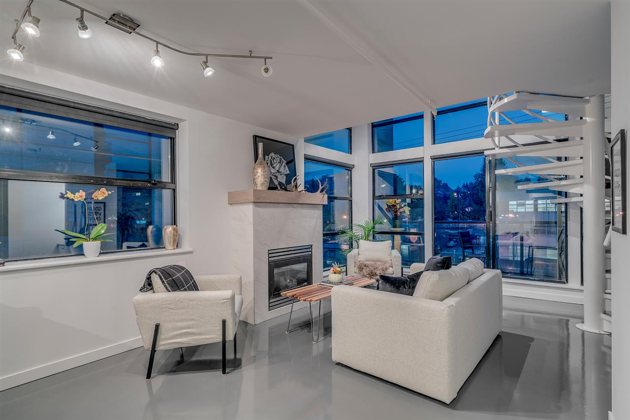 "Main Photo: 501 428 W 8TH Avenue in Vancouver: Mount Pleasant VW Condo for sale in ""XL LOFTS"" (Vancouver West)  : MLS® # R2214757"
