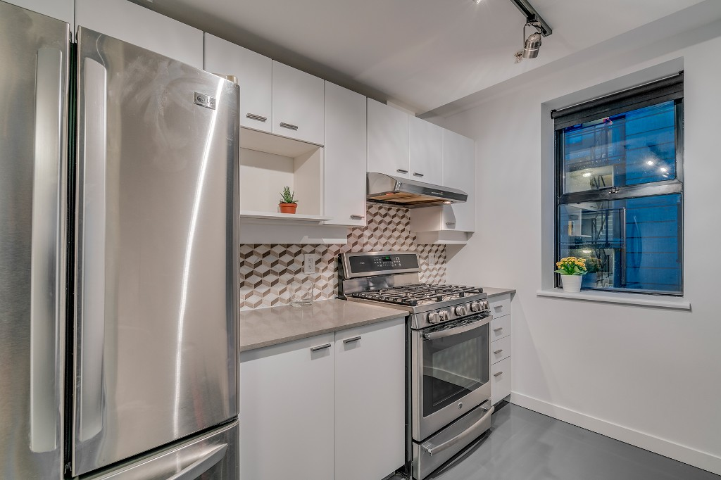 "Photo 11: Photos: 501 428 W 8TH Avenue in Vancouver: Mount Pleasant VW Condo for sale in ""XL LOFTS"" (Vancouver West)  : MLS® # R2214757"