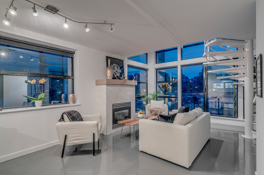 "Photo 2: Photos: 501 428 W 8TH Avenue in Vancouver: Mount Pleasant VW Condo for sale in ""XL LOFTS"" (Vancouver West)  : MLS® # R2214757"