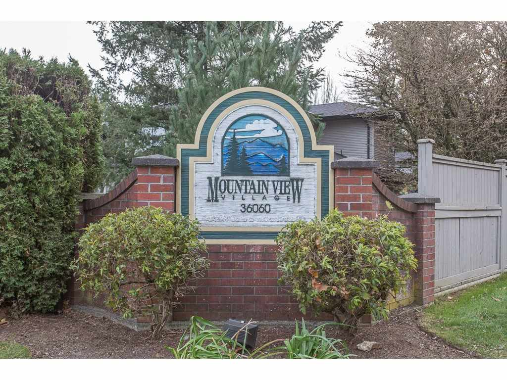 "Photo 2: Photos: 18 36060 OLD YALE Road in Abbotsford: Abbotsford East Townhouse for sale in ""Mountainview Village"" : MLS® # R2220092"