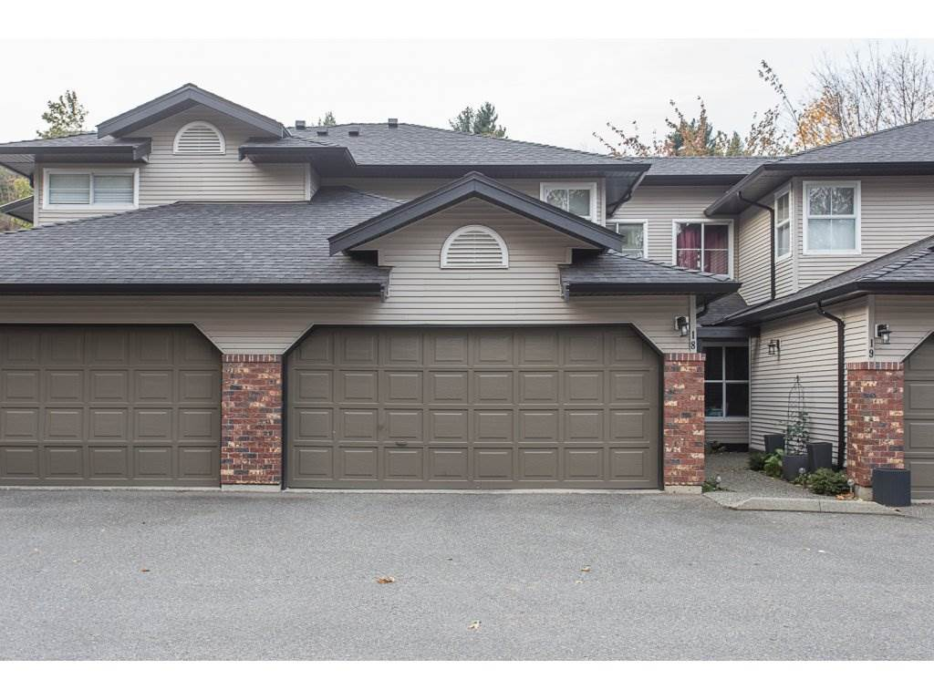 "Photo 1: Photos: 18 36060 OLD YALE Road in Abbotsford: Abbotsford East Townhouse for sale in ""Mountainview Village"" : MLS® # R2220092"