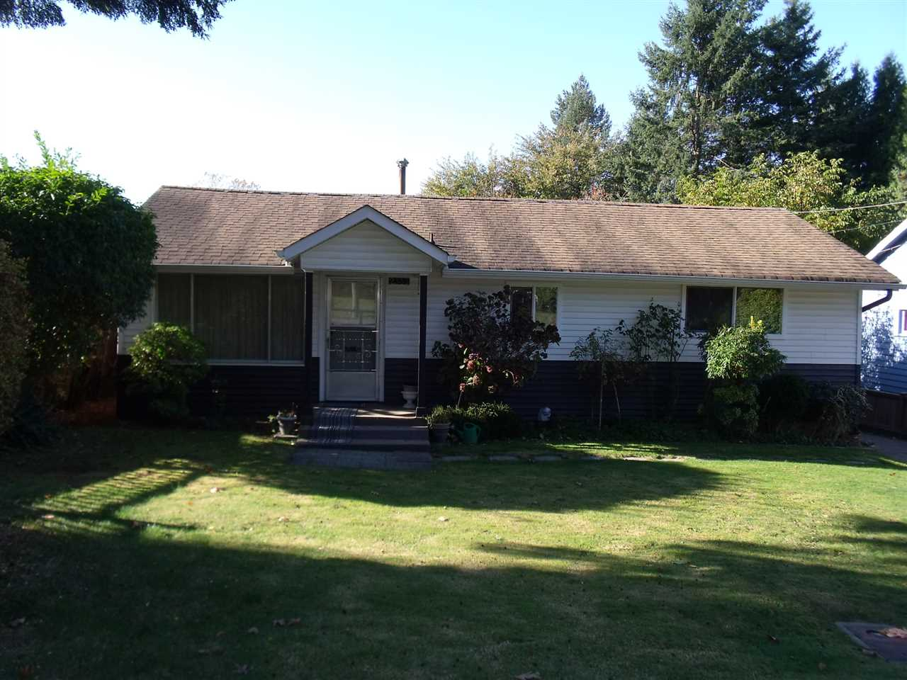 Photo 2: Photos: 2333 HILLSIDE Drive in Abbotsford: Central Abbotsford House for sale : MLS® # R2220680