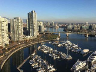 "Main Photo: 2503 1228 MARINASIDE Crescent in Vancouver: Yaletown Condo for sale in ""CRESTMARK II"" (Vancouver West)  : MLS® # R2228312"