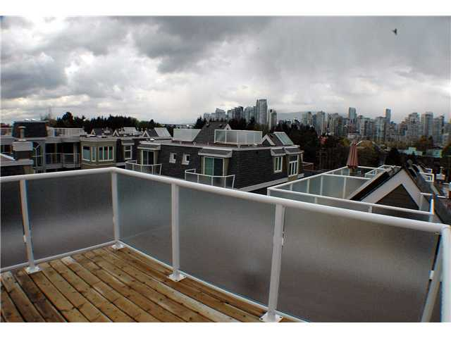 "Photo 9: 2261 HEATHER Street in Vancouver: Fairview VW Townhouse for sale in ""THE FOUNTAINS"" (Vancouver West)  : MLS(r) # V888051"
