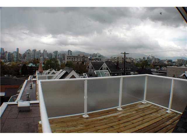 "Photo 10: 2261 HEATHER Street in Vancouver: Fairview VW Townhouse for sale in ""THE FOUNTAINS"" (Vancouver West)  : MLS(r) # V888051"