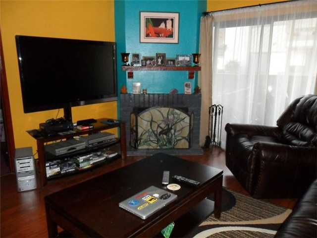 Main Photo: LA JOLLA Condo for sale : 1 bedrooms : 8354 Via Sonoma #C