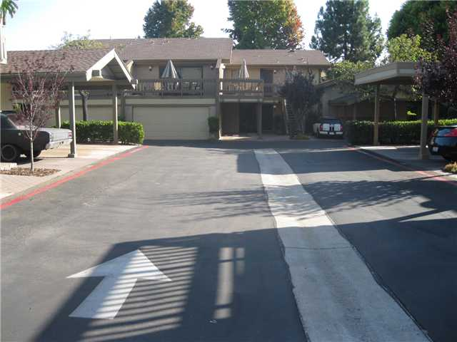 Photo 3: LA JOLLA Condo for sale : 1 bedrooms : 8354 Via Sonoma #C