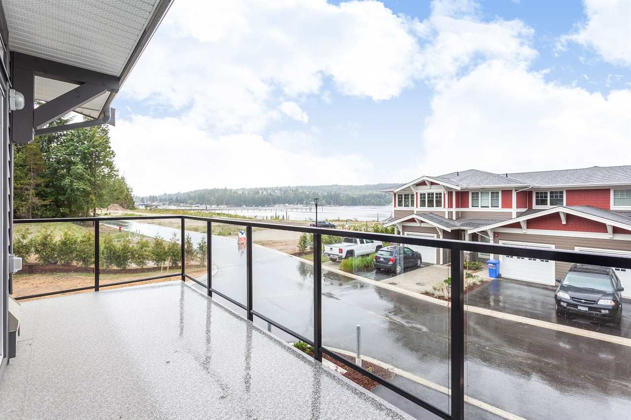 "Main Photo: 5980 BEACHGATE Lane in Sechelt: Sechelt District Townhouse for sale in ""EDGEWATER"" (Sunshine Coast)  : MLS® # R2063333"