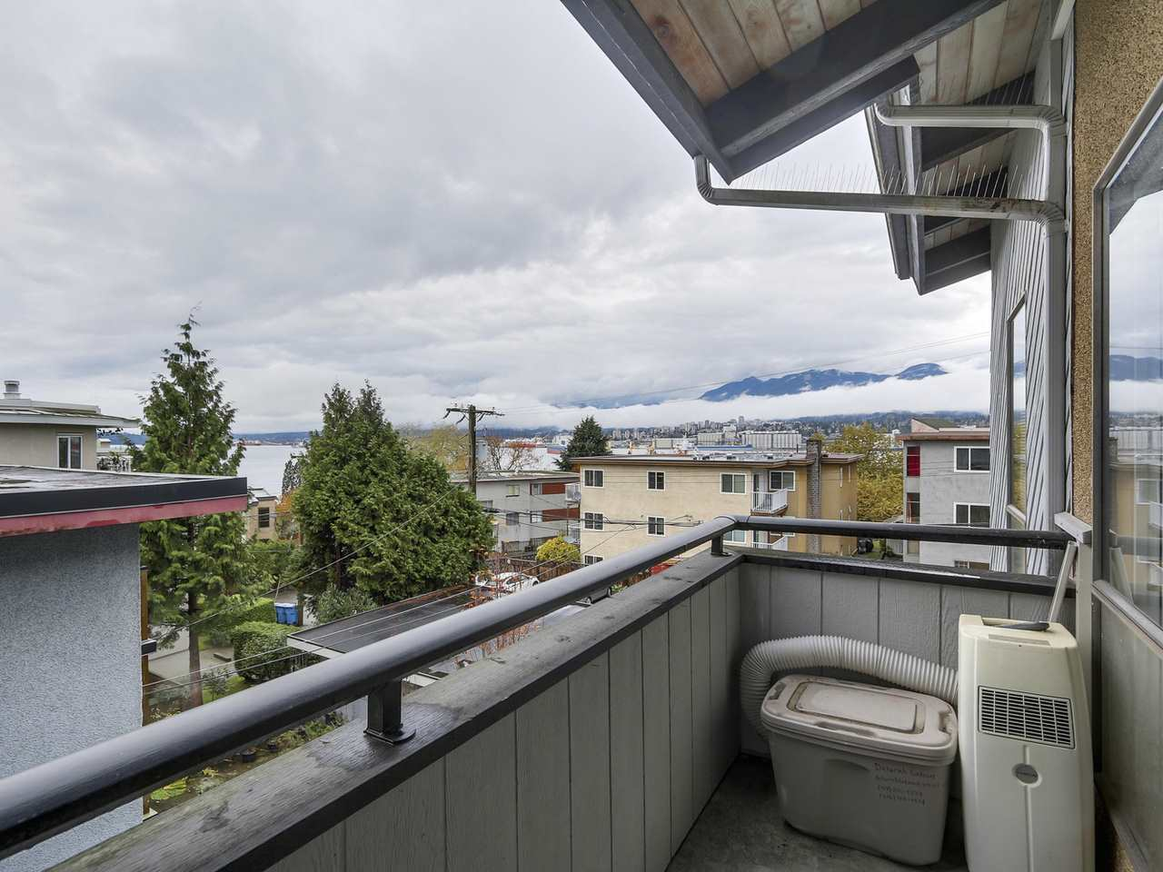 "Photo 12: 309 2277 MCGILL Street in Vancouver: Hastings Condo for sale in ""LANDMARK TERRACE"" (Vancouver East)  : MLS® # R2121077"