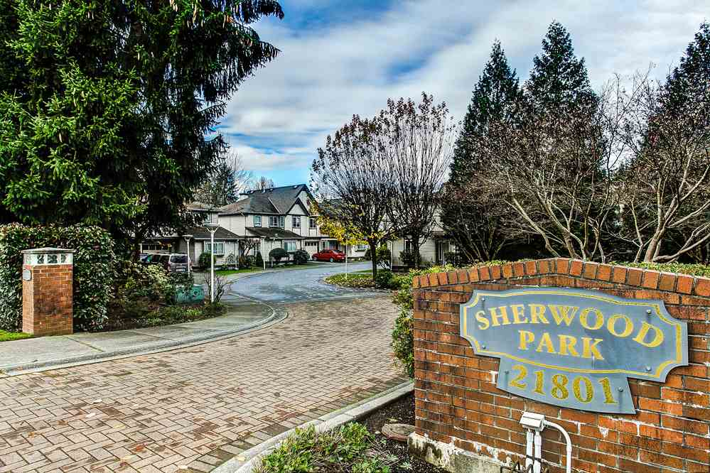 "Main Photo: 3 21801 DEWDNEY TRUNK Road in Maple Ridge: West Central Townhouse for sale in ""SHERWOOD PARK"" : MLS® # R2124804"