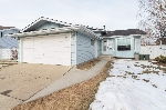 Main Photo: 124 WARWICK Crescent in Edmonton: Zone 27 House for sale : MLS(r) # E4056181