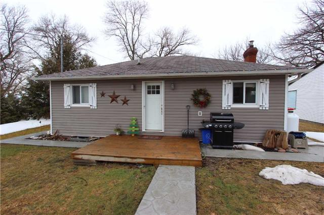 Main Photo: B68 Alsop's Beach Road in Brock: Rural Brock House (Bungalow) for sale : MLS(r) # N3742002