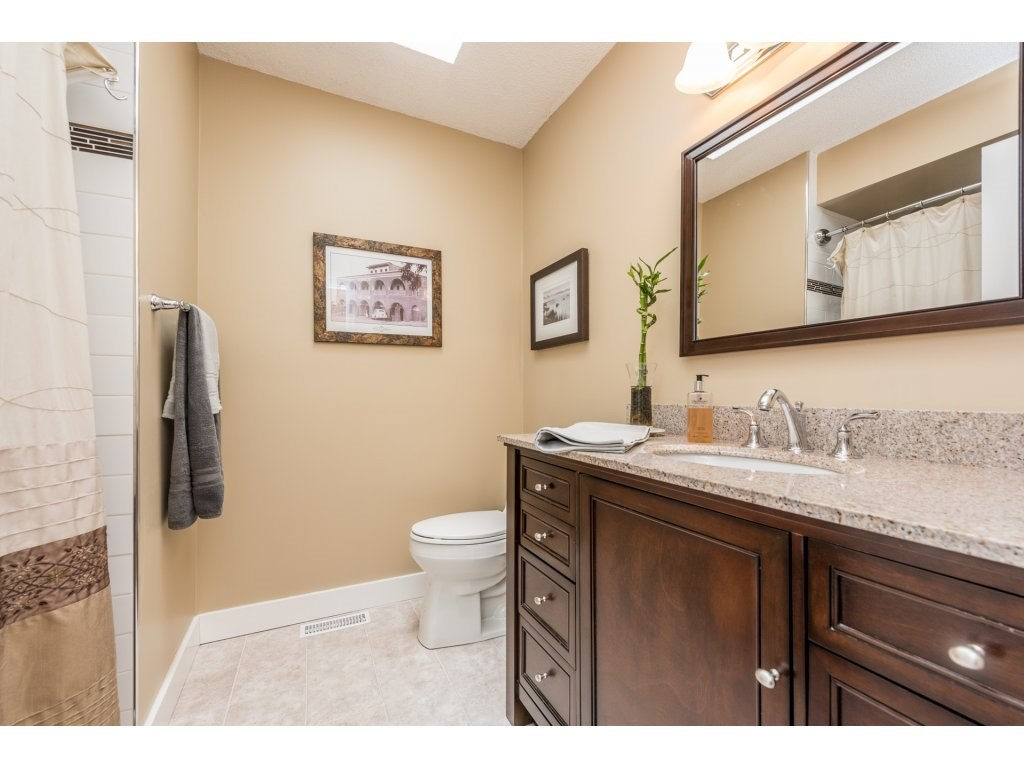 Photo 10: 14866 95 Avenue in Surrey: Fleetwood Tynehead House for sale : MLS® # R2152335