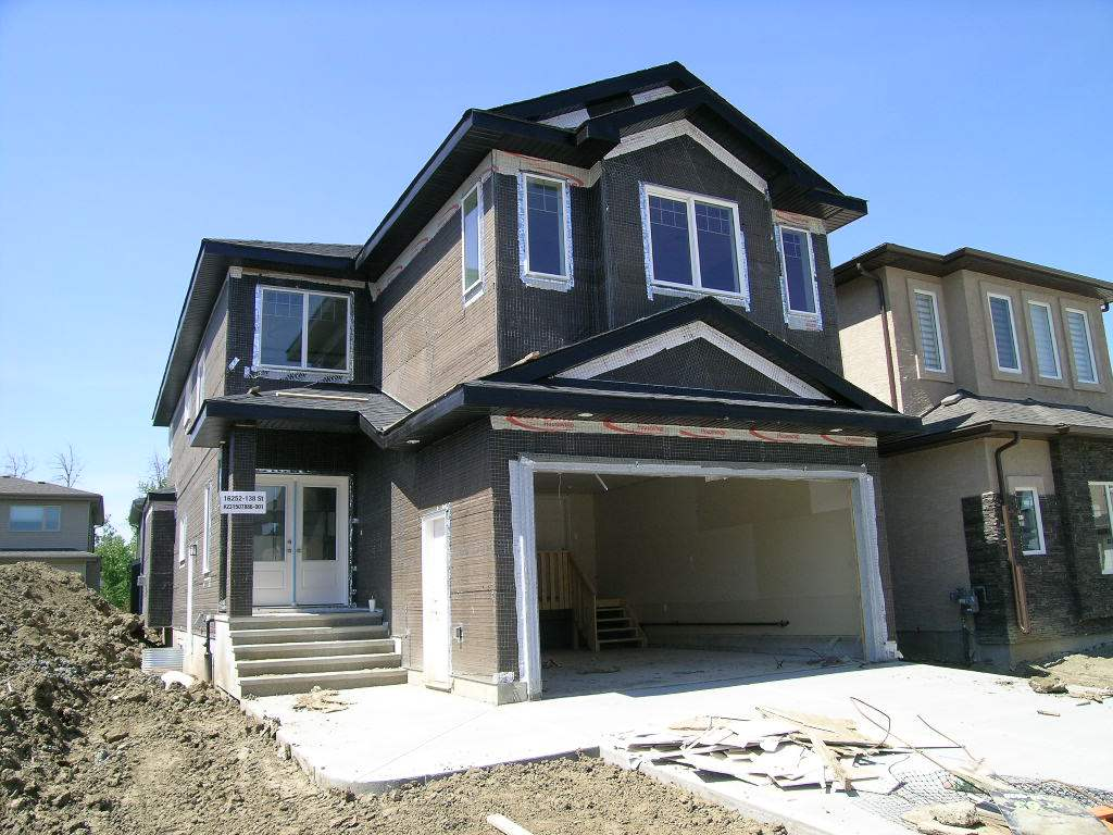 Main Photo:  in Edmonton: Zone 27 House for sale : MLS® # E4060979