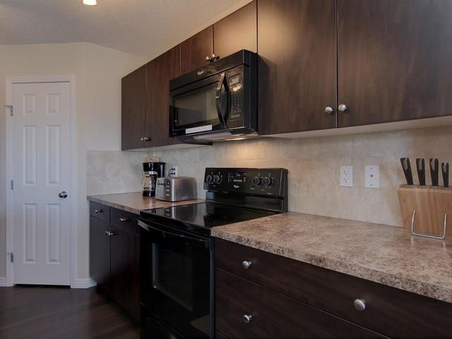 Photo 8: 1218 177A Street in Edmonton: Zone 56 House Half Duplex for sale : MLS(r) # E4065067