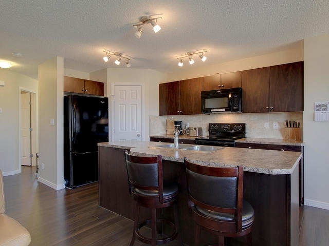 Photo 6: 1218 177A Street in Edmonton: Zone 56 House Half Duplex for sale : MLS(r) # E4065067