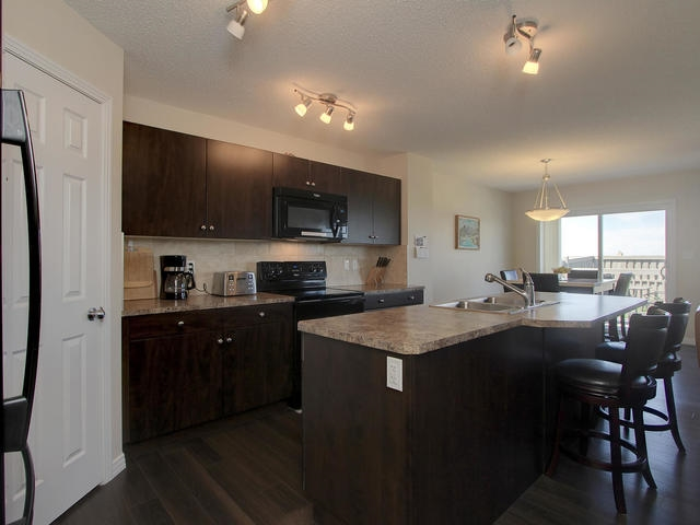 Photo 5: 1218 177A Street in Edmonton: Zone 56 House Half Duplex for sale : MLS(r) # E4065067