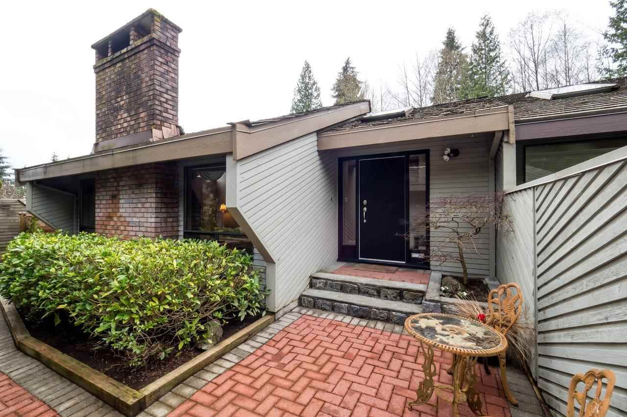"Main Photo: 5635 WHITE PINE Lane in North Vancouver: Grouse Woods House for sale in ""Grousewoods"" : MLS(r) # R2170114"