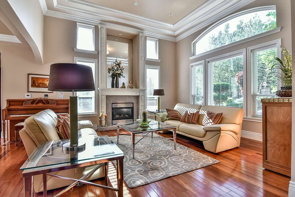 Photo 2: 13696 55A Avenue in Surrey: Panorama Ridge House for sale : MLS(r) # R2173423