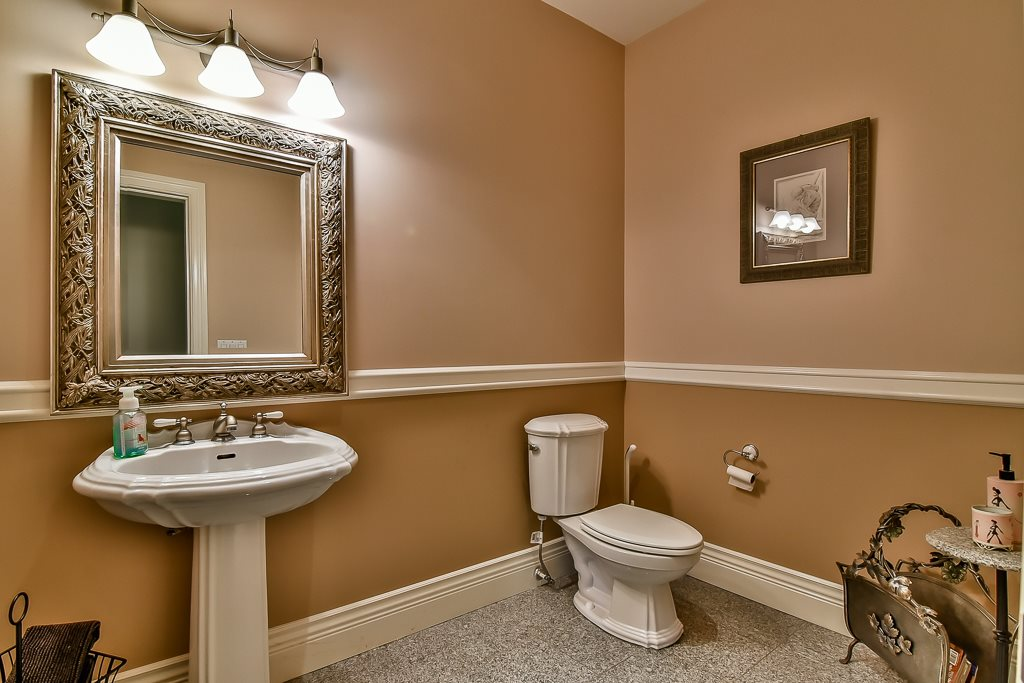Photo 17: 13696 55A Avenue in Surrey: Panorama Ridge House for sale : MLS(r) # R2173423