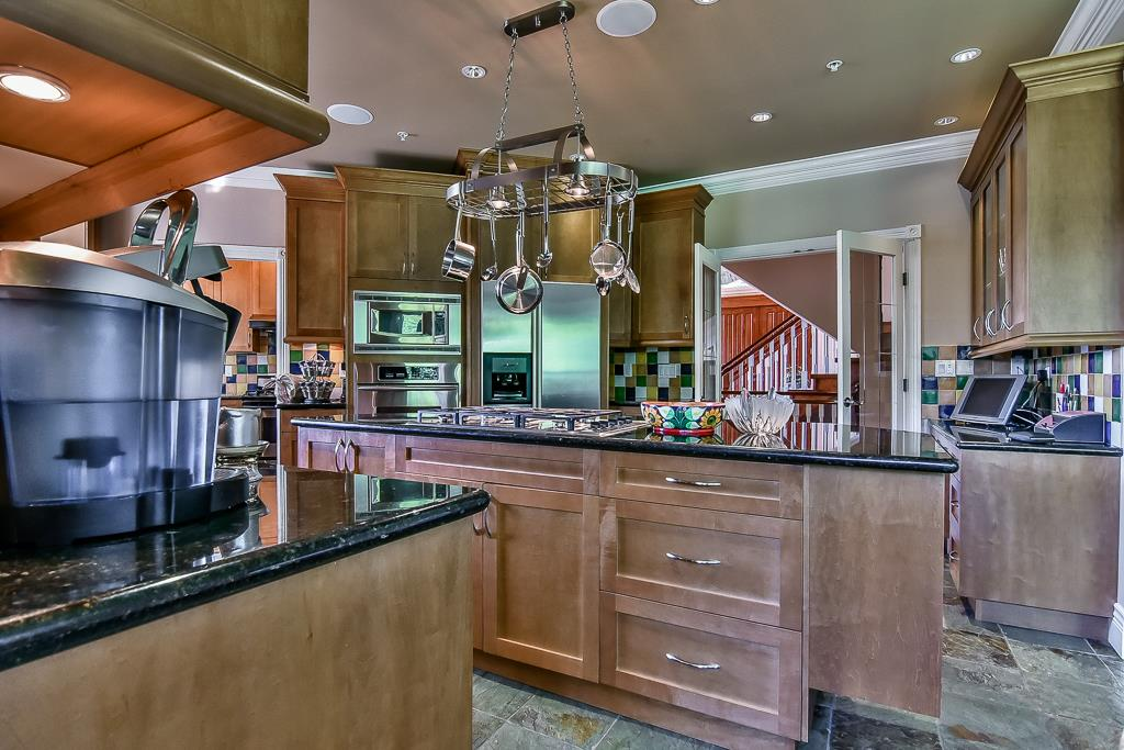 Photo 8: 13696 55A Avenue in Surrey: Panorama Ridge House for sale : MLS(r) # R2173423