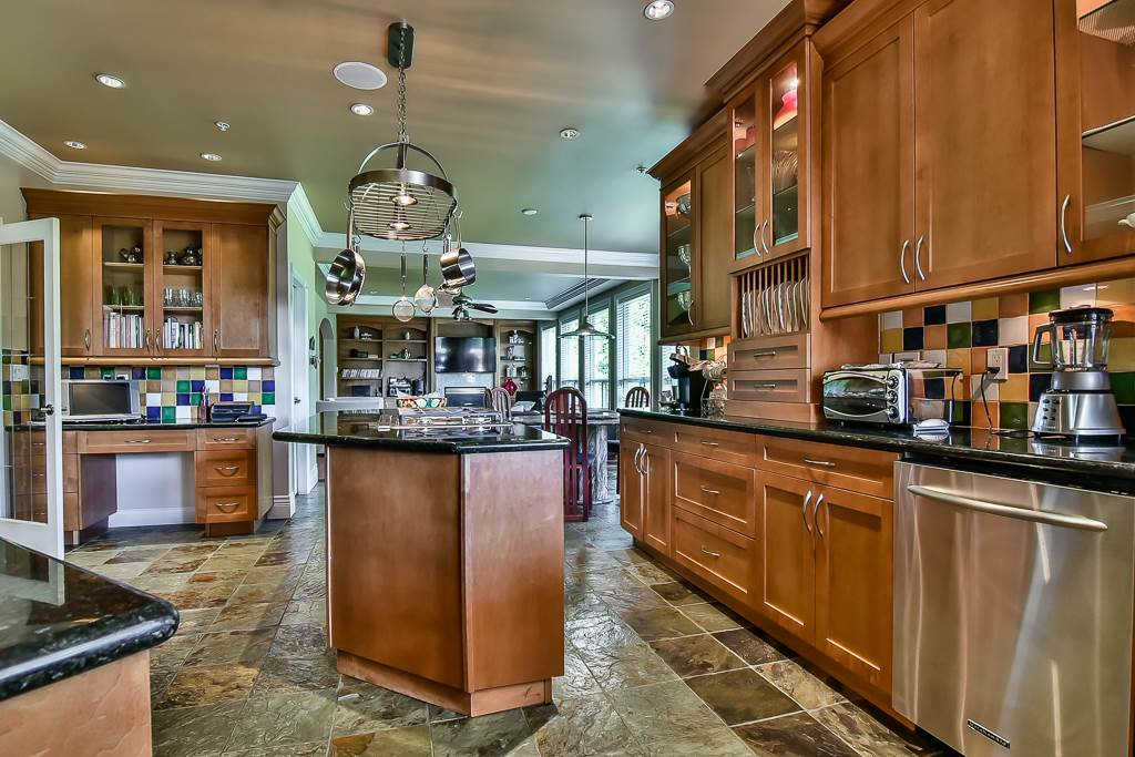 Photo 9: 13696 55A Avenue in Surrey: Panorama Ridge House for sale : MLS(r) # R2173423