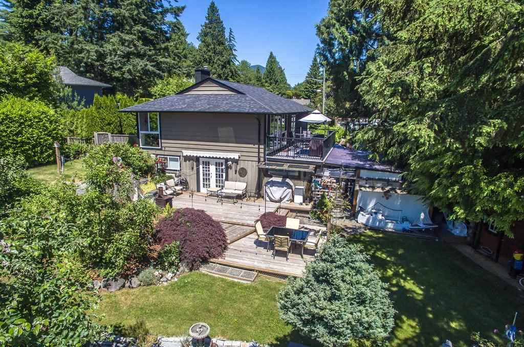 "Main Photo: 1405 BRIARLYNN Crescent in North Vancouver: Westlynn House for sale in ""Westlynn"" : MLS(r) # R2181629"