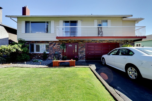 Main Photo: 1568 CHADWICK Avenue in Port Coquitlam: Glenwood PQ House for sale : MLS(r) # R2182375