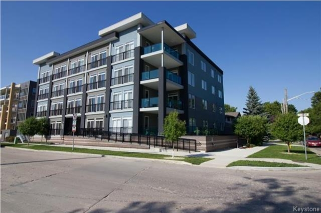 Main Photo: 750 Tache Avenue in Winnipeg: St Boniface Condominium for sale (2A)  : MLS® # 1717983