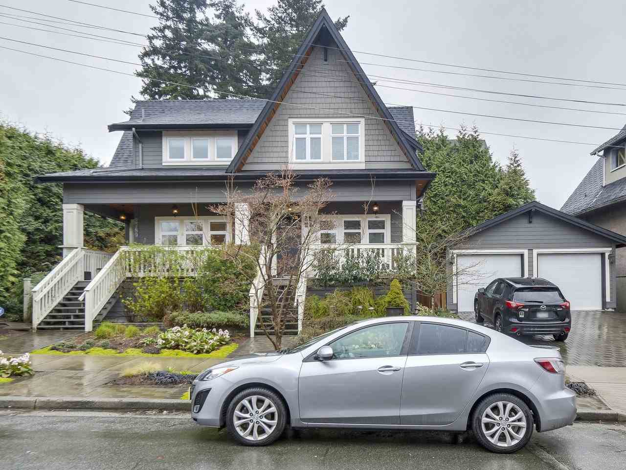 Main Photo: 2789 ST. CATHERINES Street in Vancouver: Mount Pleasant VE House 1/2 Duplex for sale (Vancouver East)  : MLS®# R2254713