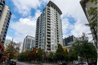 "Main Photo: PH5 1082 SEYMOUR Street in Vancouver: Downtown VW Condo for sale in ""FREESIA"" (Vancouver West)  : MLS®# R2305489"