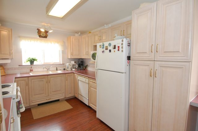 Photo 13: Photos: 6820 FIRST STREET in HONEYMOON BAY: House for sale : MLS® # 335356