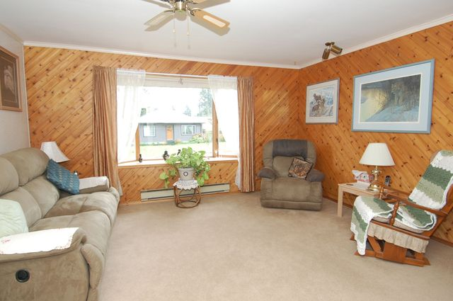 Photo 6: Photos: 6820 FIRST STREET in HONEYMOON BAY: House for sale : MLS®# 335356