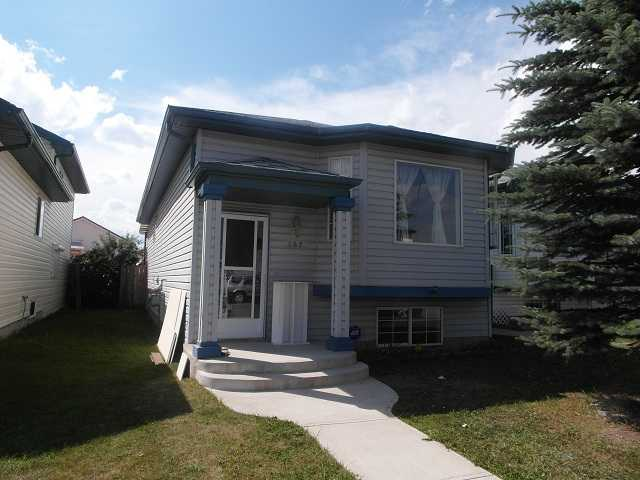Main Photo: 157 APPLESIDE Close SE in CALGARY: Applewood Residential Detached Single Family for sale (Calgary)  : MLS® # C3591197