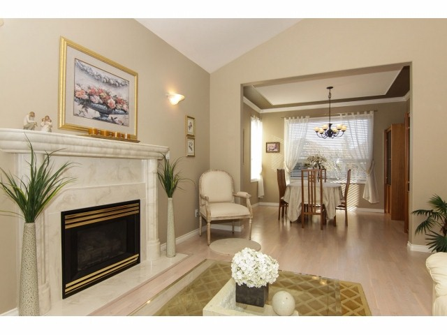Photo 4: 7951 154TH Street in Surrey: Fleetwood Tynehead House for sale : MLS® # F1402731