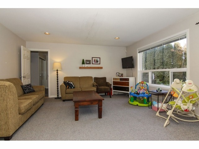 Photo 15: 7951 154TH Street in Surrey: Fleetwood Tynehead House for sale : MLS® # F1402731