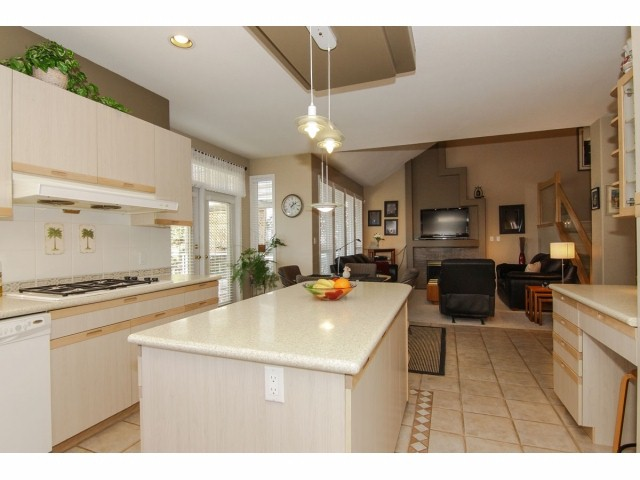 Photo 8: 7951 154TH Street in Surrey: Fleetwood Tynehead House for sale : MLS® # F1402731