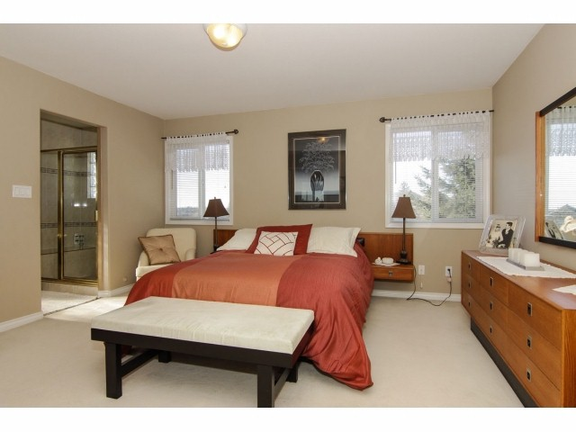 Photo 11: 7951 154TH Street in Surrey: Fleetwood Tynehead House for sale : MLS® # F1402731