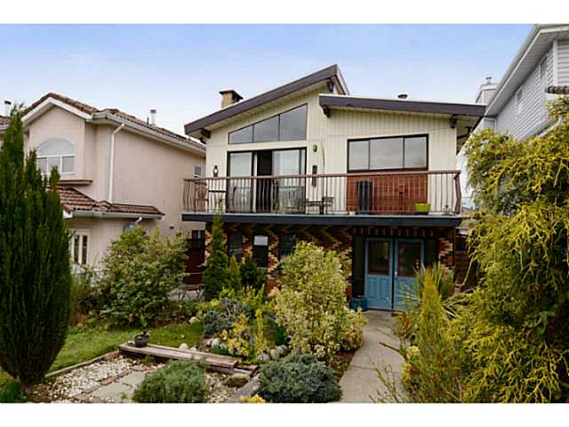 "Main Photo: 835 E 32ND Avenue in Vancouver: Fraser VE House for sale in ""FRASER"" (Vancouver East)  : MLS® # V1056460"