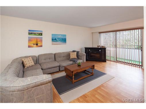 Photo 4: 209 853 Selkirk Avenue in VICTORIA: Es Kinsmen Park Condo Apartment for sale (Esquimalt)  : MLS(r) # 343540