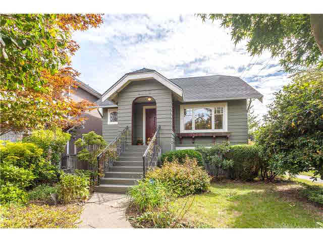 "Main Photo: 2706 CHARLES Street in Vancouver: Renfrew VE House for sale in ""RENFREW"" (Vancouver East)  : MLS®# V1142537"