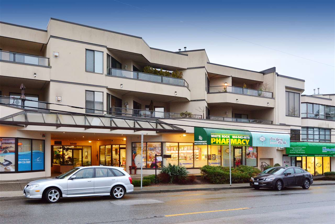 "Main Photo: 302 1440 GEORGE Street: White Rock Condo for sale in ""Georgian Square"" (South Surrey White Rock)  : MLS® # R2022252"