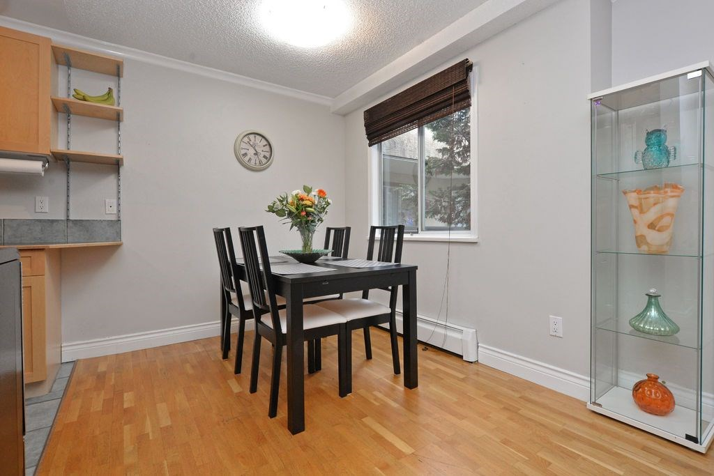 "Photo 10: 202 809 W 16TH Street in North Vancouver: Hamilton Condo for sale in ""Panorama Court"" : MLS® # R2041398"