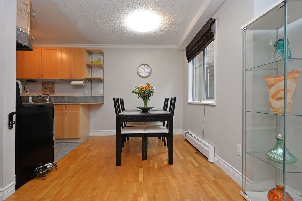 "Photo 9: 202 809 W 16TH Street in North Vancouver: Hamilton Condo for sale in ""Panorama Court"" : MLS® # R2041398"