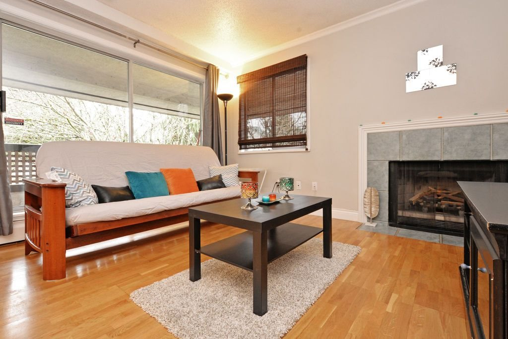 "Photo 2: 202 809 W 16TH Street in North Vancouver: Hamilton Condo for sale in ""Panorama Court"" : MLS® # R2041398"