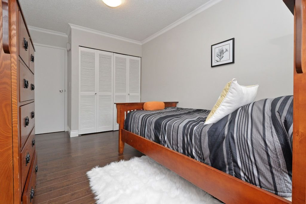 "Photo 17: 202 809 W 16TH Street in North Vancouver: Hamilton Condo for sale in ""Panorama Court"" : MLS® # R2041398"